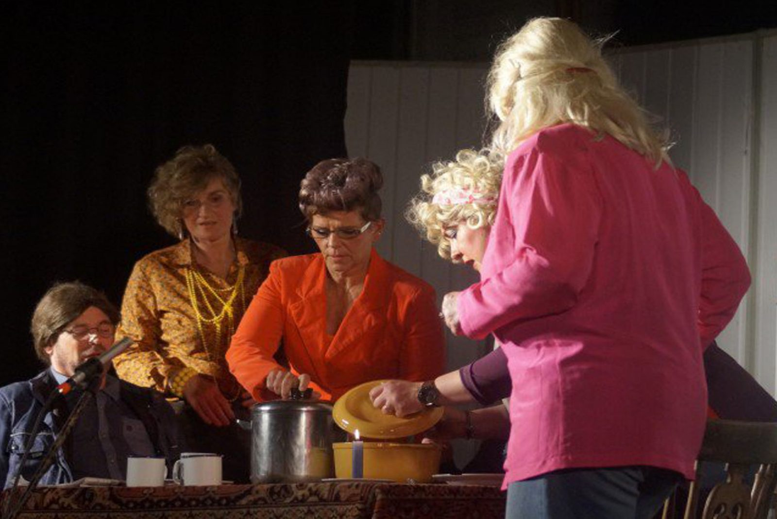 "Toneelvereniging Visvliet speelt: ""Gestrand"""